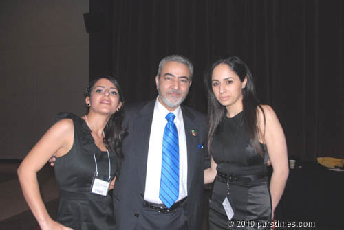 Sattar & Volunteers - UCLA (April 12, 2009) by QH