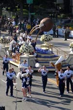 Penn State Cheerleaders at the Rose Parade - by QH