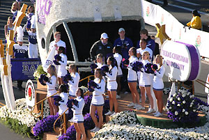 TCU Cheerleaders at the Rose Parade - Pasadena (January 1, 2011) - by QH