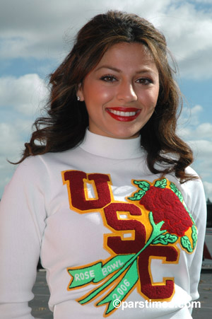 USC Cheerleader, Pasadena  - by QH