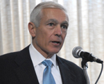 General Wesley Clark advocates a dialogue with Iran (March 6, 2007)- by QH