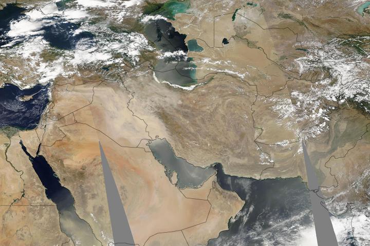 https://www.parstimes.com/spaceimages/duststorm_iran_iraq.jpg